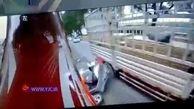 کلاه ایمنی جان راکب موتورسیکلت را نجات داد + فیلم